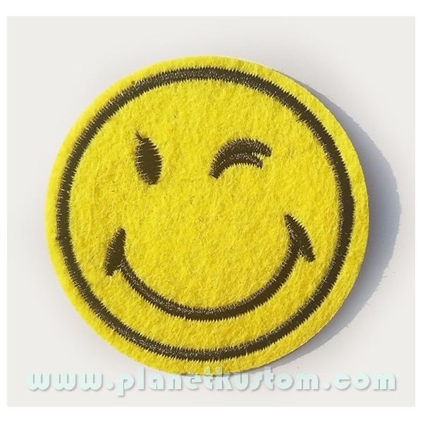 Emoticone Clin D Oeil Patch Ecusson Smiley Clin D Oeil Ok Cool Retro Emoji Emoticon